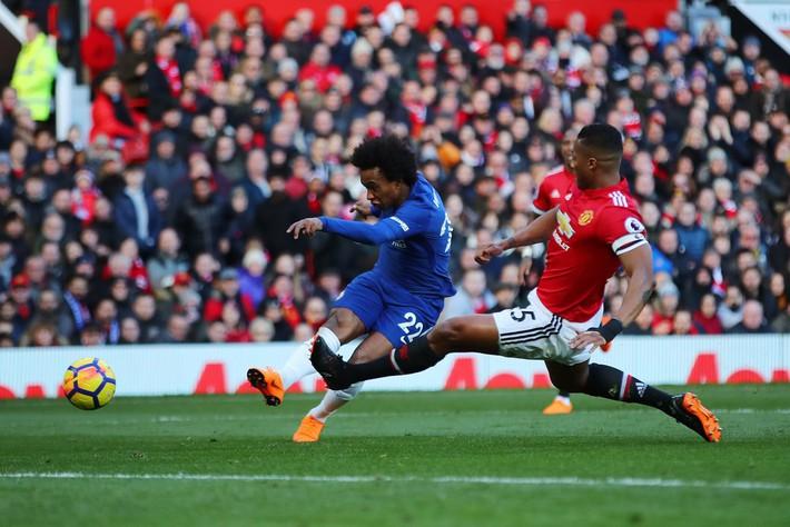 Lukaku rực sáng, Mourinho hạ Chelsea bằng sự dũng cảm hiếm thấy - Ảnh 3.