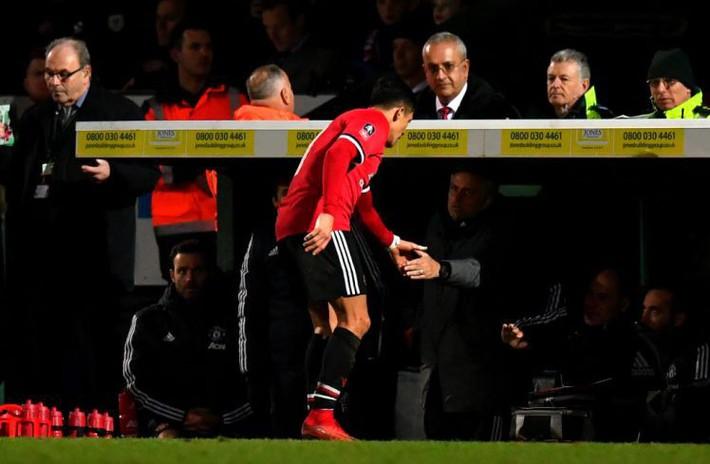 Chuyển nhượng mùa Đông: Mourinho chiến thắng, Pep Guardiola là kẻ thất bại - Ảnh 1.
