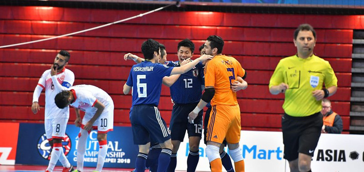 Bán kết Futsal châu Á: Sạch bóng ngựa ô - Ảnh 1.
