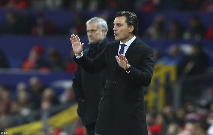 Thua tủi hổ, Man United xứng đáng cúi gằm mặt rời Champions League - Ảnh 10.