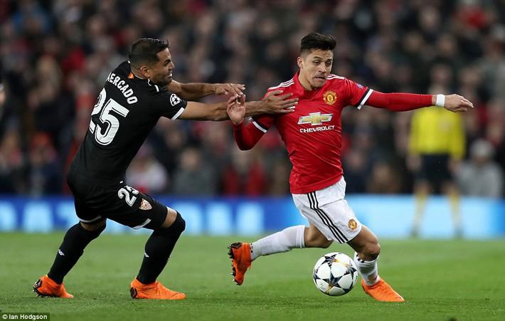 Thua tủi hổ, Man United xứng đáng cúi gằm mặt rời Champions League - Ảnh 12.