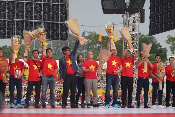 Hai tháng sau kỳ tích châu Á, tiền thưởng U23 Việt Nam vượt mốc 50 tỷ đồng - Ảnh 1.