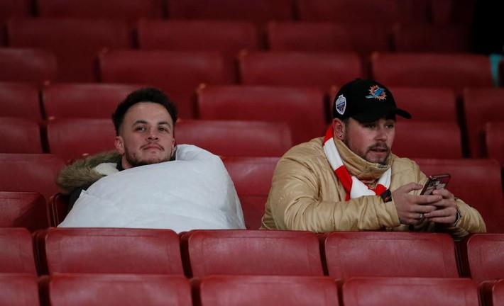 Ở Arsenal giờ đây chỉ còn lời kêu cứu, sự thất bại và một tượng đài sụp đổ - Ảnh 2.