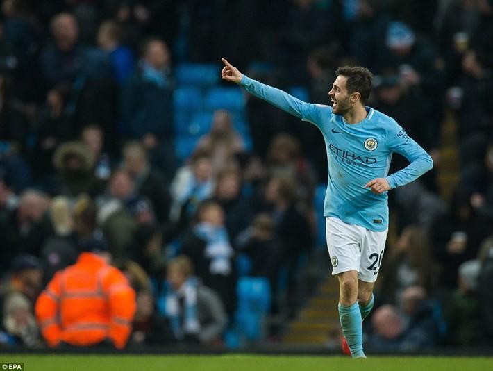 Bỏ túi Chelsea ngon ơ, Man City huýt sáo chào Premier League để về đích - Ảnh 11.