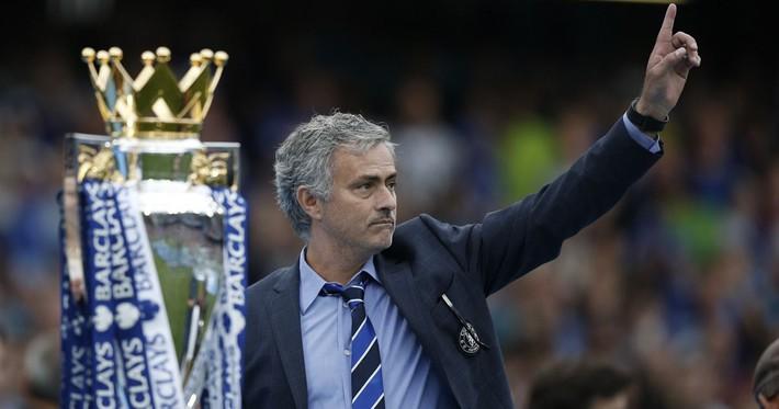 Đừng cười Wenger vội, bởi Mourinho cũng nào có hơn gì - Ảnh 2.