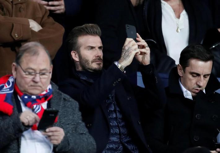 Beckham lịch lãm, ngồi cạnh siêu mẫu Bella Hadid trên khán đài sân Công viên các Hoàng tử - Ảnh 5.