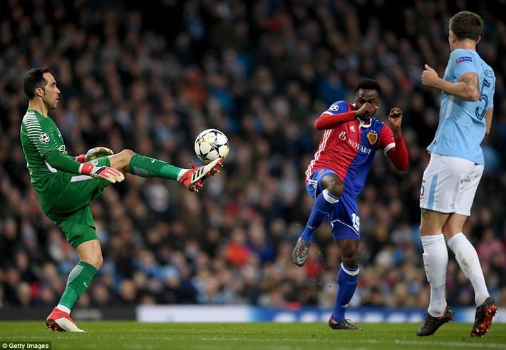 Sao trẻ ghi bàn, Man City ung dung đi tiếp dẫu thua trận - Ảnh 13.