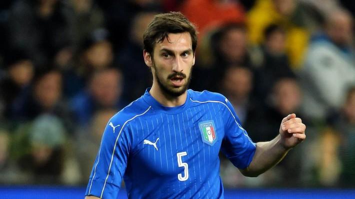 Buffon rơi nước mắt tiễn đưa đội trưởng Fiorentina vừa đột ngột qua đời - Ảnh 21.