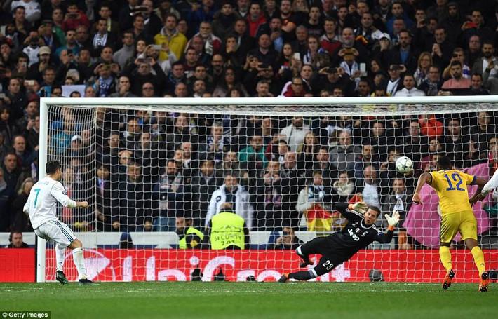 Lãnh 3 cú đòn của Juventus, Real Madrid trở về từ cõi chết nhờ người hùng Ronaldo - Ảnh 4.