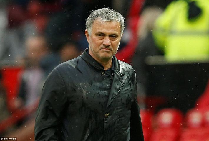 Copy công thức chiến thắng không thành, Man United sụp hầm trước đội bét bảng - Ảnh 28.
