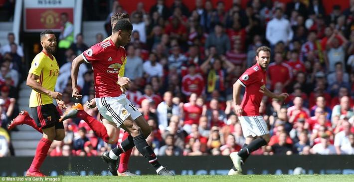 Demi kiến tạo, Michael Carrick khiến ngày chia tay Man United ngập tràn tiếc nuối - Ảnh 10.