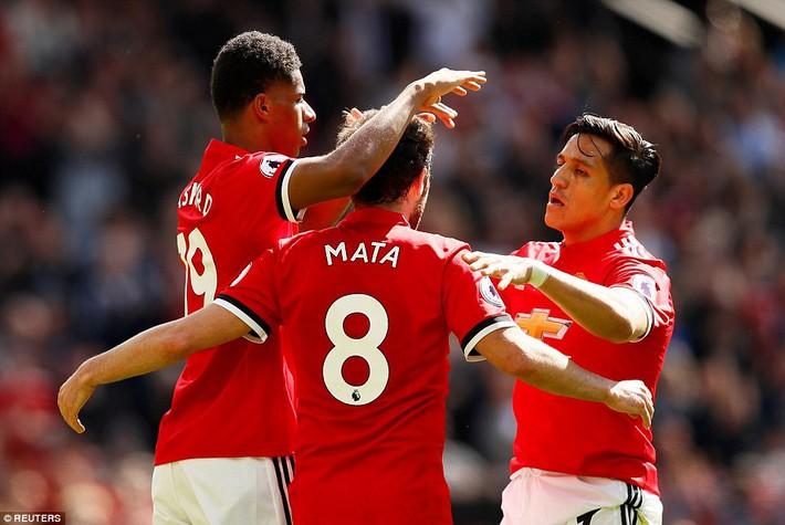 Demi kiến tạo, Michael Carrick khiến ngày chia tay Man United ngập tràn tiếc nuối - Ảnh 11.