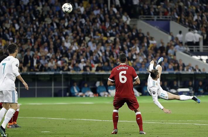 Vũ khí bí mật của Real khiến cả châu Âu sững sờ, đưa Zidane lập hattrick không tưởng - Ảnh 21.