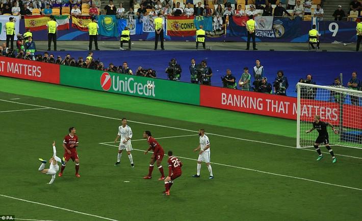 Vũ khí bí mật của Real khiến cả châu Âu sững sờ, đưa Zidane lập hattrick không tưởng - Ảnh 23.