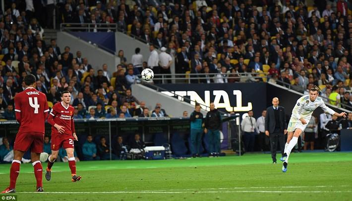 Vũ khí bí mật của Real khiến cả châu Âu sững sờ, đưa Zidane lập hattrick không tưởng - Ảnh 26.