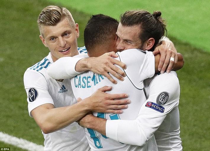Vũ khí bí mật của Real khiến cả châu Âu sững sờ, đưa Zidane lập hattrick không tưởng - Ảnh 28.