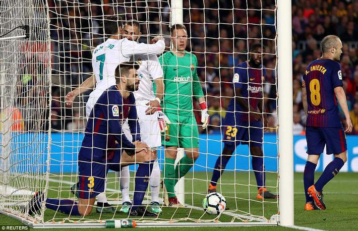 HLV Zidane lo lắng khi nói về chấn thương của Ronaldo - Ảnh 2.