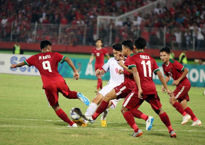Sau thất bại ngỡ ngàng của U19 Việt Nam là mối lo quá lớn cho HLV Hoàng Anh Tuấn - Ảnh 2.