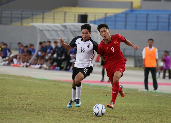 Sau thất bại ngỡ ngàng của U19 Việt Nam là mối lo quá lớn cho HLV Hoàng Anh Tuấn - Ảnh 1.