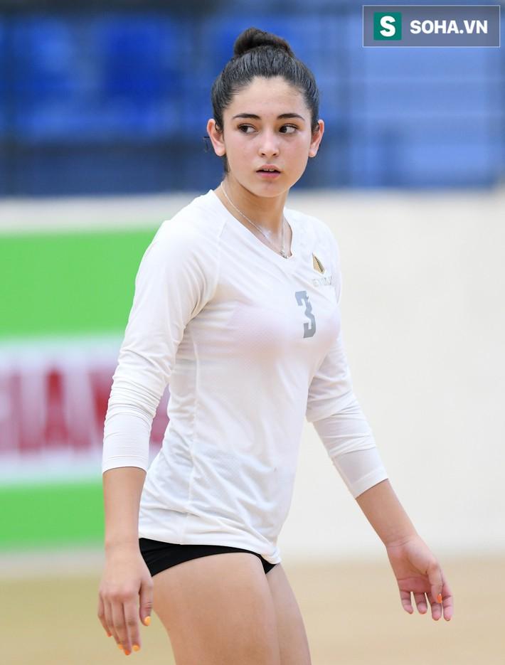 Các nữ VĐV xinh đẹp tuổi teen Hoa Kỳ giao lưu bóng chuyền tại Việt Nam - Ảnh 15.