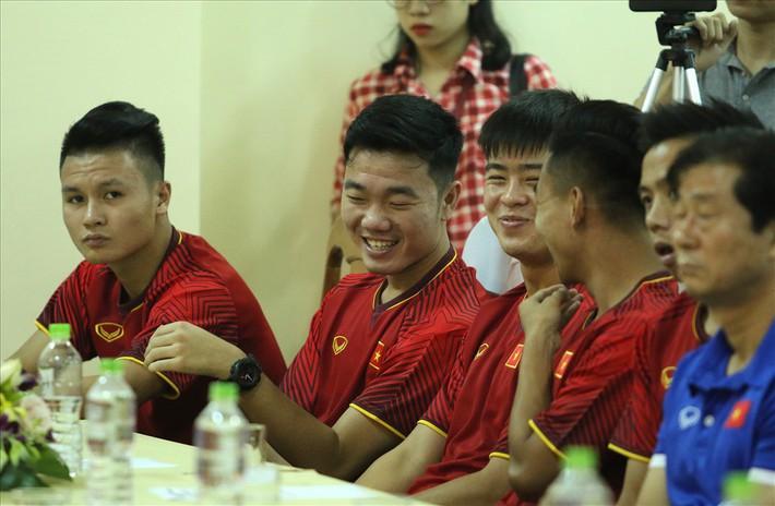 Đội trưởng U23 Việt Nam: Ông Park chọn Xuân Trường hay Văn Quyết? - Ảnh 1.