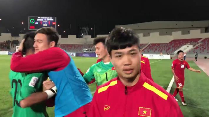 U23 Việt Nam: Đừng lo hộ cho Đặng Văn Lâm, Bùi Tiến Dũng - Ảnh 3.