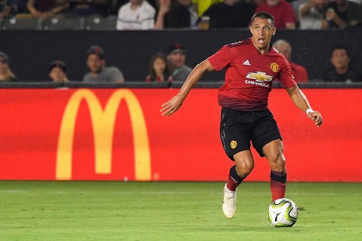 Alexis Sanchez: Thanh bảo kiếm trong tay Mourinho trước mùa giông bão - Ảnh 2.