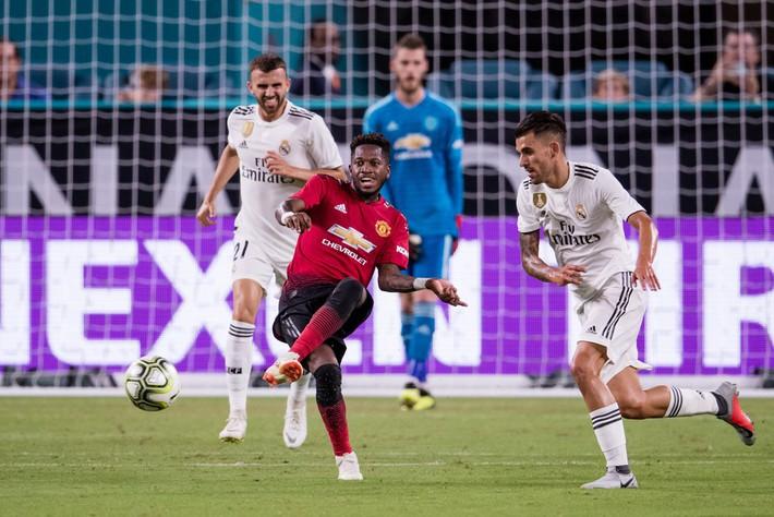 Man United nội chiến: Hãy làm việc cho tốt đã, Mourinho! - Ảnh 2.