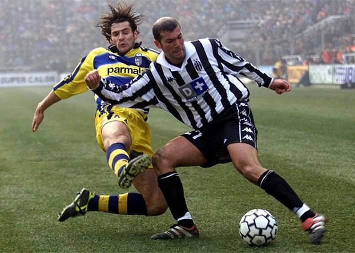 Rộ thông tin Zidane tái ngộ Ronaldo ở Juventus - Ảnh 1.