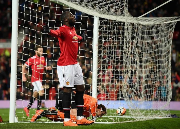 Man United nội chiến: Hãy làm việc cho tốt đã, Mourinho! - Ảnh 4.