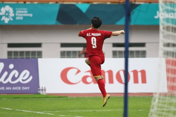 Quang Hải rực sáng, U23 Việt Nam thắng dễ trong ngày Công Phượng 2 lần trượt penalty - Ảnh 3.