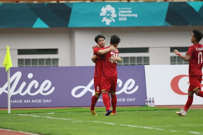 Công Phượng sút hỏng 2 quả penalty, lập 2 chiến công trong trận đấu khó tin - Ảnh 2.