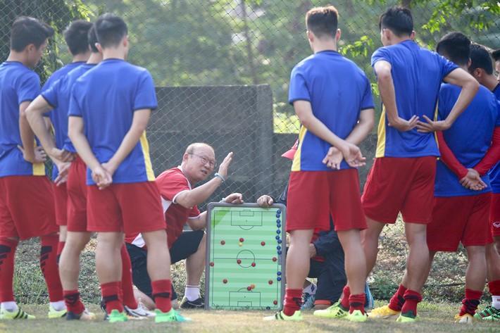 Nếu coi thường Nepal, hàng thủ U23 Việt Nam sẽ gặp khó - Ảnh 1.