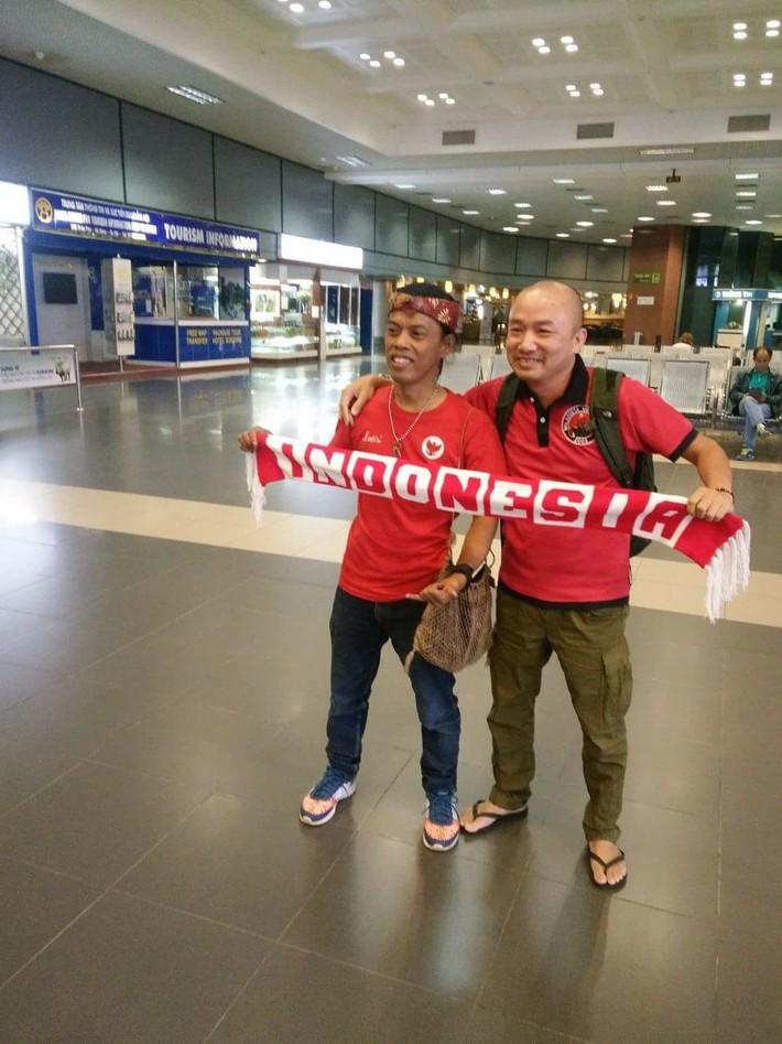 Ronaldinho Indonesia ủng hộ Văn Quyết và U23 Việt Nam trong trận đấu quan trọng - Ảnh 6.