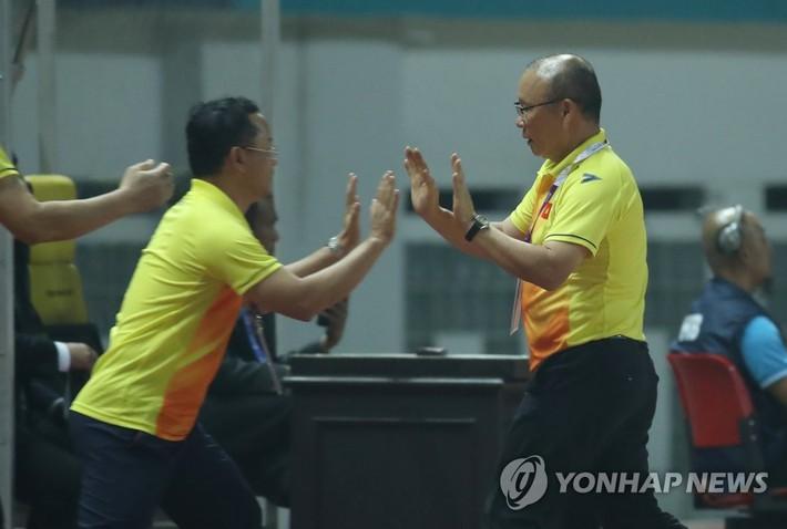 Báo Hàn Quốc mong U23 Việt Nam hạ gục Nhật Bản để tránh đối đầu thầy Park từ vòng 1/8 - Ảnh 3.