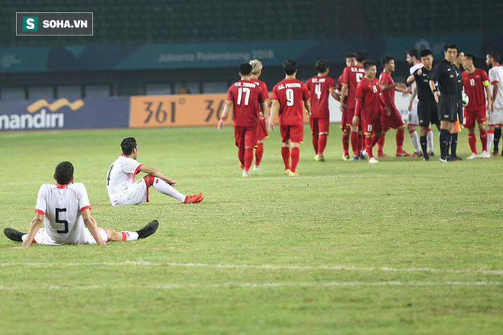 Sau chiến thắng nghẹt thở, U23 Việt Nam làm điều khiến Hùng Dũng sẽ phải nhỏ lệ - Ảnh 8.