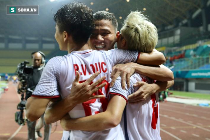 Trong ngập tràn niềm vui của U23 Việt Nam, có một người vốn sinh ra để bị lãng quên - Ảnh 5.
