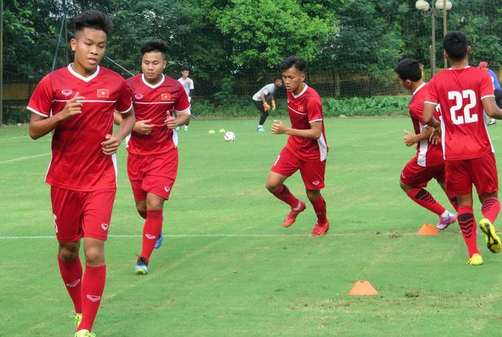 HLV Hoàng Anh Tuấn: U19 Việt Nam có 100% cơ hội vượt qua vòng bảng U19 châu Á - Ảnh 2.