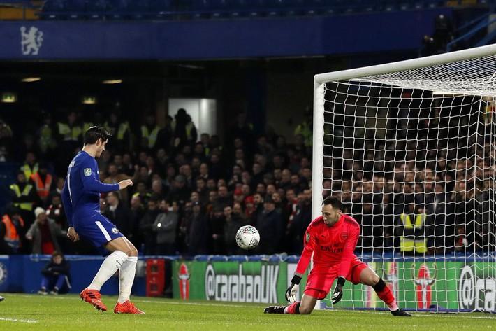 ĐIỂM NHẤN Chelsea 0-0 Arsenal: Sanchez dự bị trước tin đồn ra đi. Morata vẫn tệ - Ảnh 4.