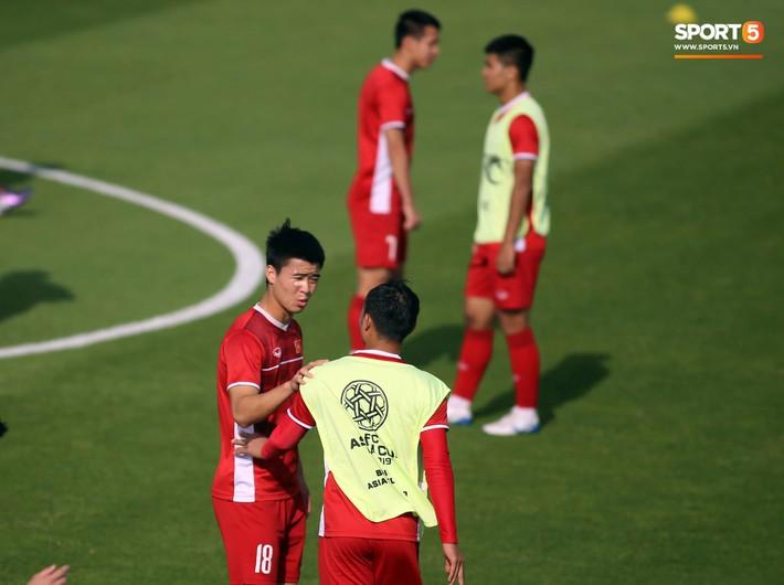 HLV Park Hang-seo nhắc nhở Chinh đen, trăn trở nghĩ cách không thua Iran - Ảnh 9.