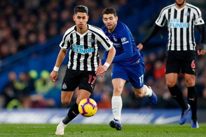 Tù trưởng Willian lập siêu phẩm, Chelsea chật vật hạ Newcastle 2-1 - Ảnh 4.