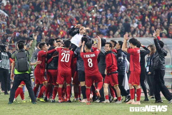 Tuyển Việt Nam từ nay trở đi sẽ là niềm cảm hứng cho bất cứ giải đấu nào - Ảnh 2.