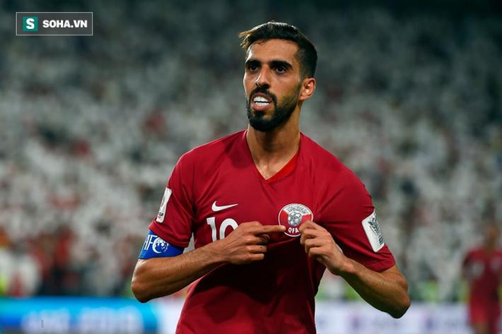 Hạ gục không thương tiếc chủ nhà, Qatar tiếp tục hành trình kỳ diệu ở Asian Cup - Ảnh 2.
