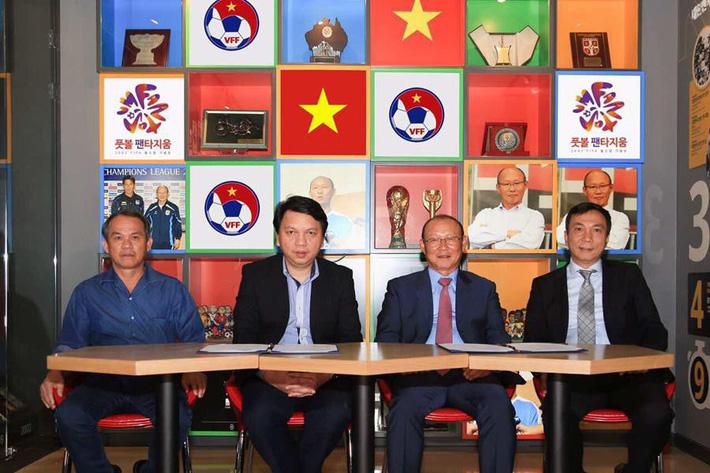 Chuyện chưa kể về sứ giả đưa HLV Park Hang Seo đến Việt Nam - Ảnh 3.