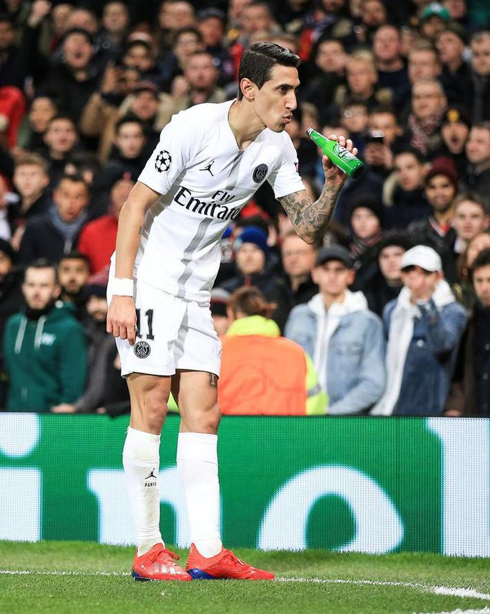 Bị fan MU ngược đãi và bị đội trưởng MU chơi xấu, ngôi sao PSG đáp trả bằng 2 pha kiến tạo đẳng cấp - Ảnh 6.