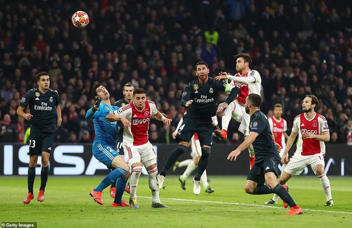 Được VAR giúp sức, Real giành chiến thắng quan trọng tại Champions League - Ảnh 1.