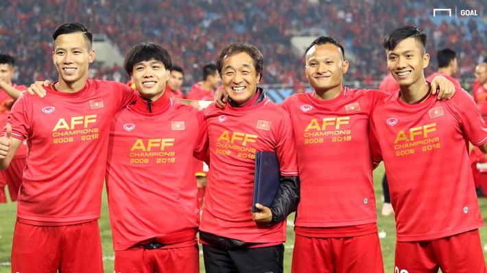 Cánh tay phải của HLV Park Hang-seo: Ông Park lo cho cầu thủ, còn tôi lo cho ông ấy - Ảnh 3.