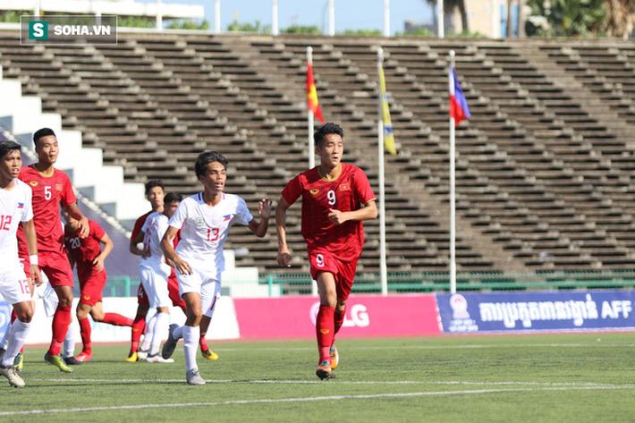 May mắn thoát penalty, Việt Nam nhọc nhằn vượt tuyển nghiệp dư của Philippines - Ảnh 2.