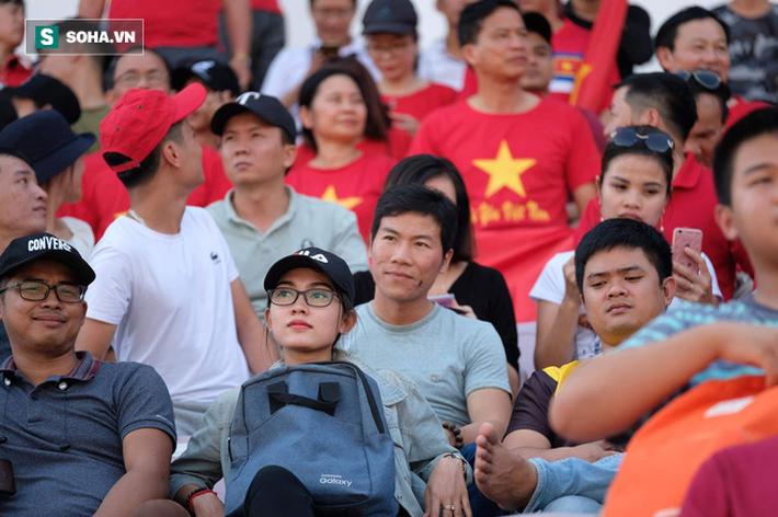 May mắn thoát penalty, Việt Nam nhọc nhằn vượt tuyển nghiệp dư của Philippines - Ảnh 3.