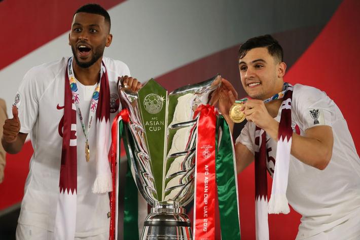 Muôn sắc thái của mỹ nam Bassam Hisham trong lễ ăn mừng vô địch Asian Cup 2019 của tuyển Qatar - Ảnh 8.